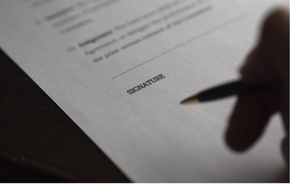 ¿Es válido presentar una traducción jurada en PDF? - Juridiomas