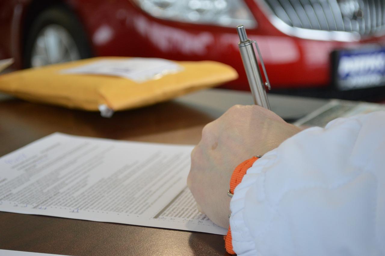 ¿Cómo traducir documentos legales y que tengan validez? - Juridiomas